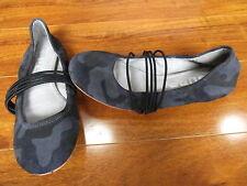 NEW TSUBO HONNOR Ballet Flats Women's Size 7 Elephant Grey CAMO $125.