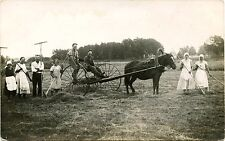 FARMING SCENE MEN WOMEN HORSE DRAWN HAY RAKE & ORIGINAL VINTAGE PHOTO POSTCARD
