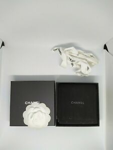 Chanel bracelet box with Velvet pouch and ribbon- pre-owned