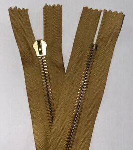 Riri M6, 87cm, Close Ended Zip, BEIGE Tape, GOLD Metal Teeth, With KOBO PULL