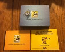 SDCC 2017 San Diego Comic-Con Exclusive Collectors Pin and Swag Box and Booklet