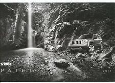 2013 Jeep Patriot Sport Latitude Limited 26-Page Sales Brochure w/Buyers Guide
