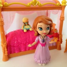 Disney Princess Sofia The First Royal Bed Set Clover & Robin Figures NEW