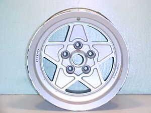 Ferrari 308 Wheel_Rim_Cromodora_GTS_GTB_Mondial_7 1/2X14_OEM_40899_1976