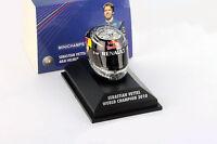 S. Vettel Red Bull GP Abu Dhabi Formel 1 Weltmeister 2010 Helm 1:8 Minichamps