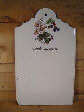 Ancienne plaque murale émaillée blanche décor de fruits mûres déco rétro cuisine