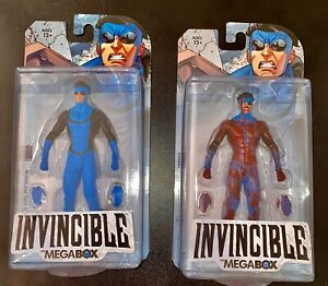 💥Skybound Megabox Invincible Blue Bloody & Clean Variant Action Figures