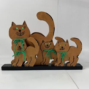 Wooden Folk Art Hand Painted Cut Out Wood Cat Figurines Free Standing Mantle