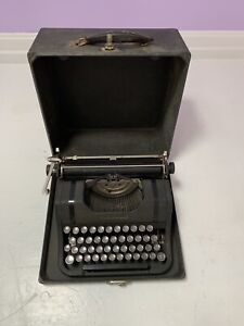 RARE Antique Portable Underwood Typewriter with Original Case, Nice Piece