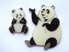 GIANT PANDA BEAR & CUB CHI CHI WWF ZOO ANIMALS ENAMEL PIN BADGE SALE FREE POST