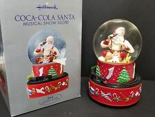 HALLMARK RETIRED 2001 COCA COLA SANTA MUSICAL SNOW GLOBE MUSIC BOX TRAIN w/ Box