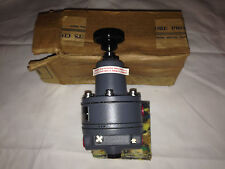 Brand New MOORE Products 40H100 Nullmatic Pressure Regulator