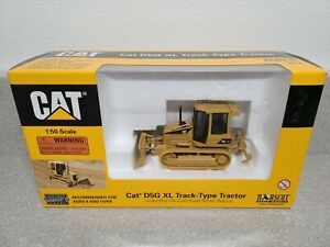 Caterpillar Cat D5G XL Dozer with Ripper - Norscot 1:50 Scale Model #55131