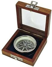 Kompass, verchromt- dreidimensionale Optik in Holzbox
