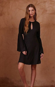 NEW THE FIFTH LABEL THE COUNTDOWN BELL SLEEVED BLACK DRESS SIZES 4 & 6