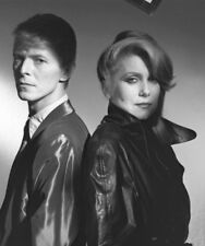 The Hunger UNSIGNED photograph - M499 - Catherine Deneuve and David Bowie