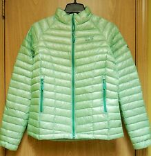 NEW $325 Mountain Hardwear Ghost Whisperer Down Jacket Womens M Sea Ice Green