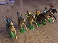 britains deetail wild west mounted cowboys plastic toy soldiers