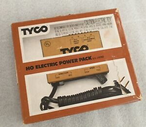 Tyco HO Electric Power Pack No. 899B in original box