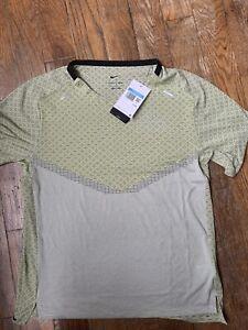 Nike Dri-Fit ADV Run Division Techknit Running Shirt - Men's Medium ~ $70 DD4795