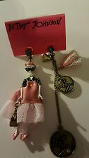 NWT Auth Betsey Johnson Cameo Critters Kitty Cat Mismatch Dangle Charm Earrings