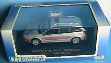 RENAULT LAGUNA II 1.9 DCI MEDICAL CARE PAUL RICARD 1/43 UNIVERSAL HOBBIES