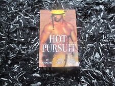 MILLS & BOON HOT PURSUIT 3 IN 1 LIKE NEW 2017