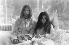 Beatles John Lennon & Yoko Ono Bed-In for Peace Amsterdam 1969 Photo Print A4