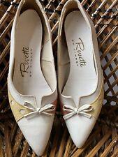 Vintage 1940s 1950s Revette Two Tone Flat Bow Shoes