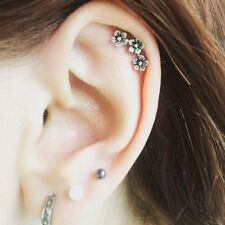 1Pc Chic Three Flowers Cartilage Earring Ear Stud Climber Helix Piercing Gift