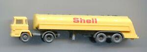 SHELL tanker lorry     by WIKING    N Gauge