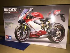 Tamiya 14132 1/12 Ducati 1199 Panigale S - Tricolore Model Kit