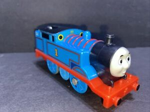 2009 THOMAS & FRIENDS TRACKMASTER MOTORIZED TRAIN ENGINE #1 BLUE THOMAS WORKS