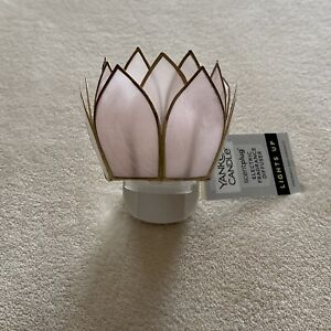 New Yankee Candle LOTUS FLOWER Water Lily Scent Plug In Base Warmer Light Up