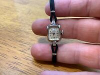 Vintage Girard Perregaux 14K gold 17 Jewel Swiss Ladies Watch