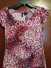 NWT Petite Short Sleeve Top, Cap Sleeves with Ruffles, Pink/Gray Dots, size PS