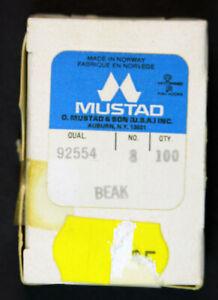 Mustad 92554 Beak Stainless Steel, size 8, 100 pack