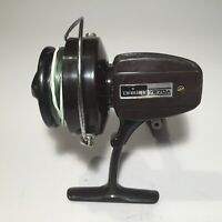 Nice Genuine Vintage Collectible Daiwa 7270A Spinning Fishing Reel • Japan, 1970