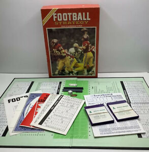 Vintage Sports Illustrated Football Strategy Game Avalon Hill 1972 COMPLETE READ
