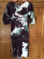 Twisted Muse Size S 6 Erin DRESS Zip Back Pencil Flattering Grey Green Splash
