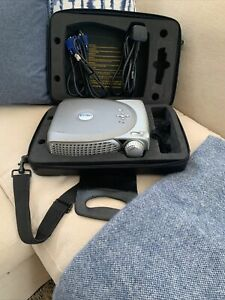 DELL 2200MP DLP Front Projector With Cables And Case