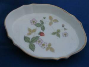 WEDGWOOD WILD STRAWBERRY OVAL PIN / BUTTER DISH