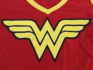 DC WONDER WOMAN Logo Shirt W/ DETACHABLE CAPE! - LARGE [S-16]