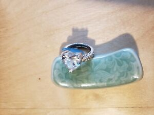 CUBIC ZIRCONIA STONE RING,SIZE 6,HEART, RHODIUM PLATED