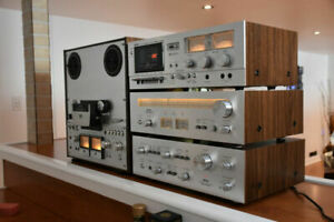 AKAI AT-2400 stereo Analog AM/FM TUNER. Mint Vintage HiFi line mint condition