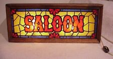 """VINTAGE RETRO 1970'S FAUX STAINED GLASS LIGHTED """"SALOON"""" MAN CAVE BAR SIGN"""