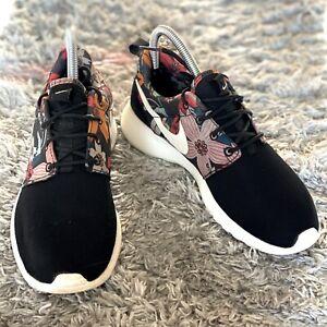 EUC Nike Women'sSize 6 Roshe Run Black Floral 599432-090 Running Shoe Sneaker