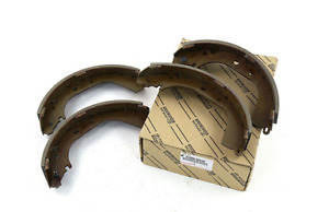TOYOTA TUNDRA XK30 Rear Brake Shoes Kit 04495-35230 New Genuine