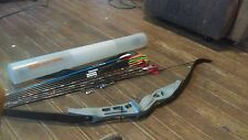 Bow an arrows with tips 6 huntting arrows an 1 training arrrow an two tips