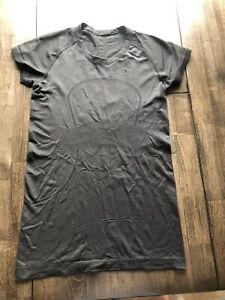 Lululemon Black Swiftly Tech Short Sleeve Size 8
